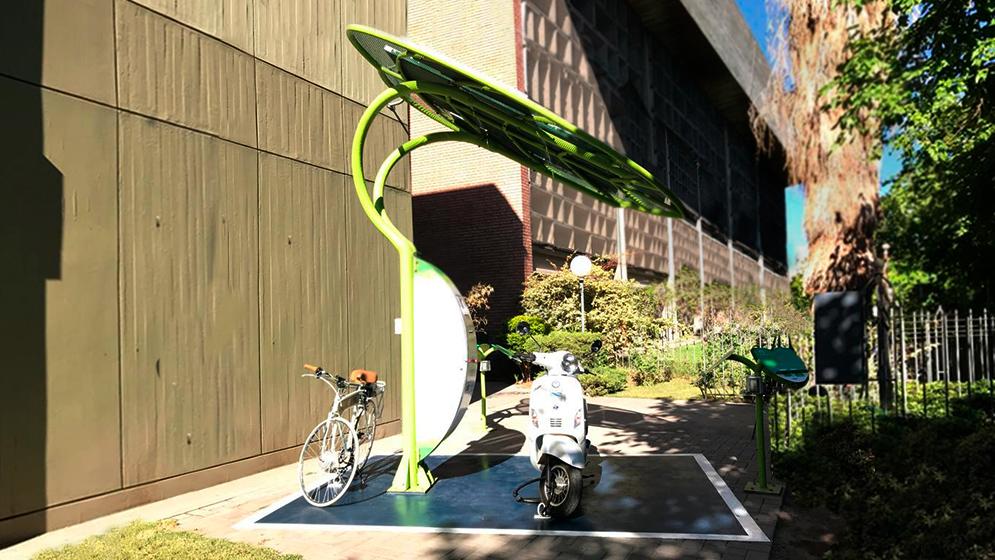 Inauguran estación solar autónoma para vehículos eléctricos